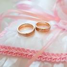 ピンクゴールドの結婚指輪って?男女問わず華やかで美しい手元を演出