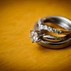 重ねづけにぴったり!結婚指輪と婚約指輪の組み合わせデザイン