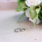 自分に合う結婚指輪は? 指の特徴別の選び方
