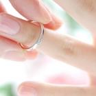 結婚指輪が指から抜けた!失くしてしまった時の対応は?